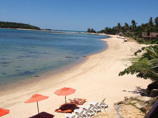 Bhundhari Spa Resort & Villas Samui: Spiaggia privata