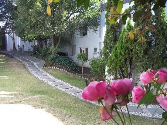 Glenalmond Hotel Sandton: Garden