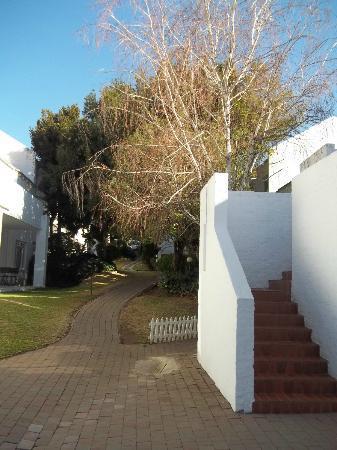 Glenalmond Hotel Sandton: Pathway