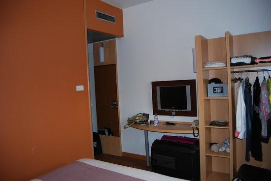Ibis Milano Centro: Chambre