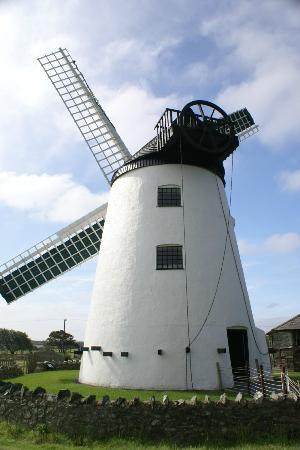 Llynnon Mill, Llandeusant from the back