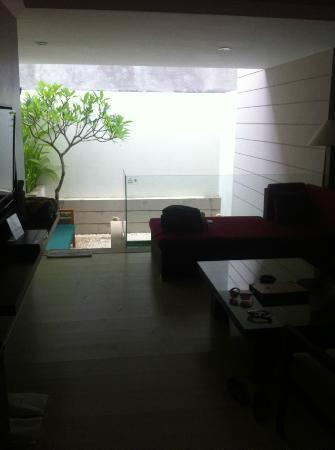 Villa Kayu Raja: living/pool