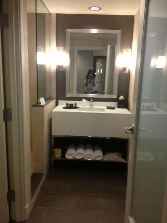The Hotel at Arundel Preserve: Our beautiful bathroom