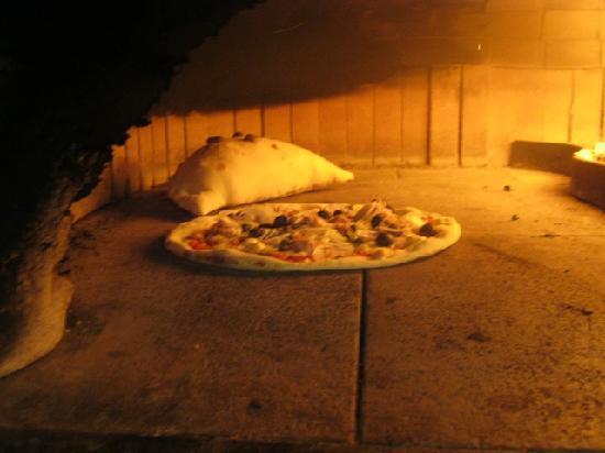 Pizzeria Ristorante alla Rotonda: Forno a legna