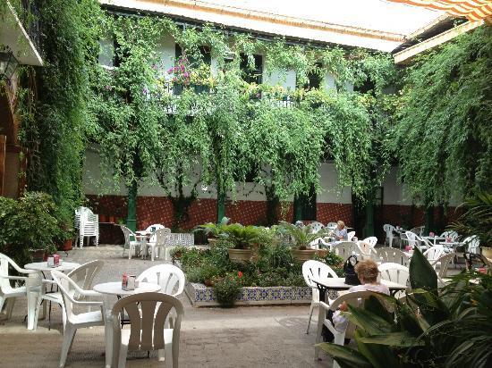 L'Encarnacion: Inner courtyard area.