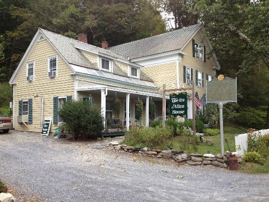 The Ira Allen House Bed and Breakfast: Ira Allen Bed and Breakfast