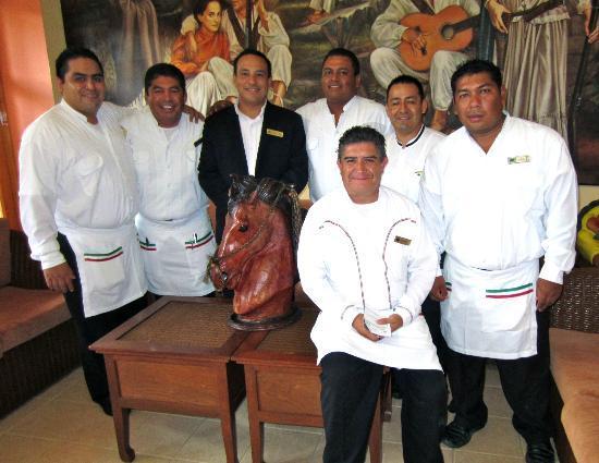Royal Solaris Los Cabos: Osval Alaya and Staff