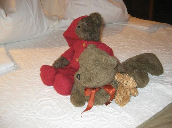 All Seasons River Inn: We loved the bears throughout the B&B