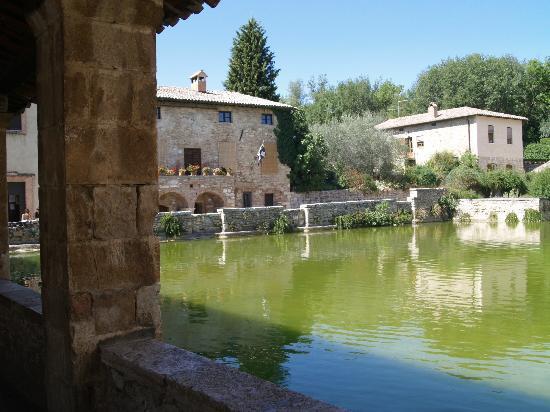 Bagno vignoni picture of albergo posta marcucci bagno - Bagno vignoni hotel posta marcucci ...