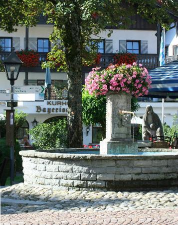 Hotel Bayerischer Hof Kur- & Sporthotel: Zentrale Lage direkt in der Fußgängerzone an der Kirche
