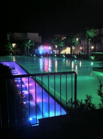 Xanadu Island: main pool