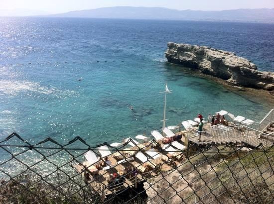 Xanadu Island: beach