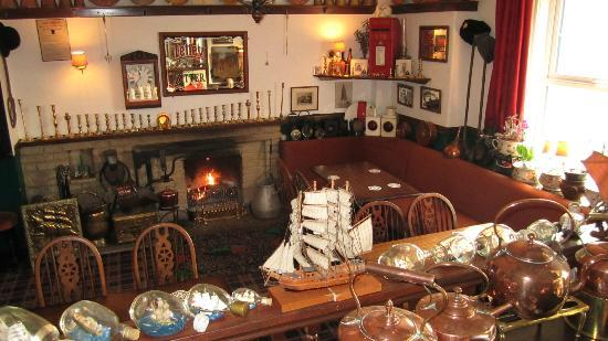 The Ship Inn: Cosy eating area or a nice place to sit by the fire and chat