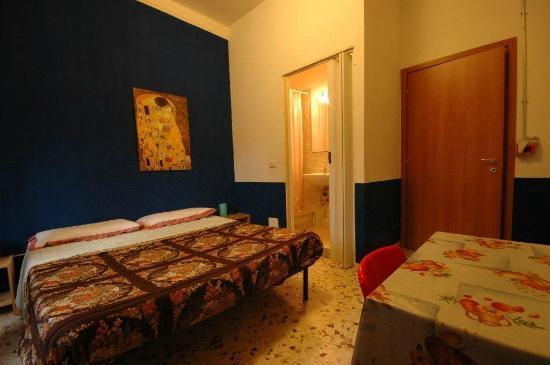 Appia Guest House : camera doppia con bagno privato