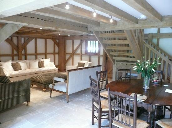 Yew Tree Barn B&B: Other side of the lounge area