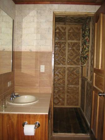 Visayas Breeze Resort: Cottages Bathroom