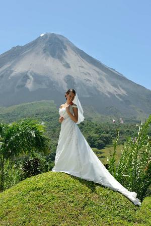 Arenal Kioro Suites & Spa: hermoso contraste