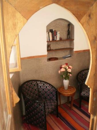 Riad Dar Darek : partie salon de la suite tlata