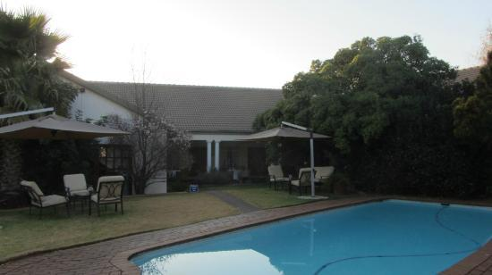 AfricaSky Guest House: Pool Area.
