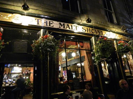 Malt Shovel: Outside of Pub!