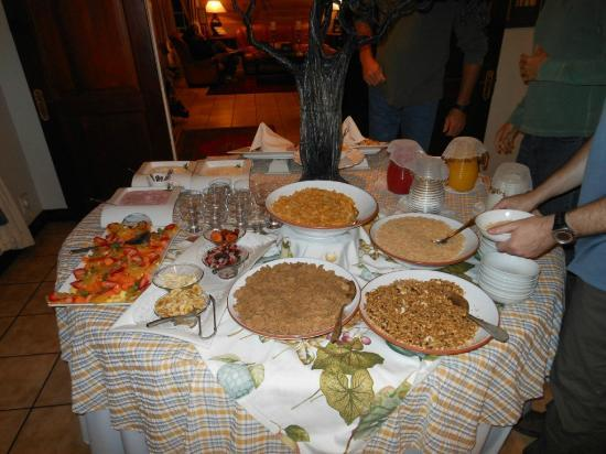 AfricaSky Guest House: Breakfast