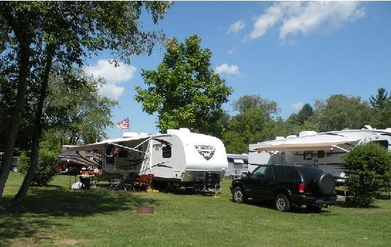 Copake KOA: FHU and Pull-thru Campsites