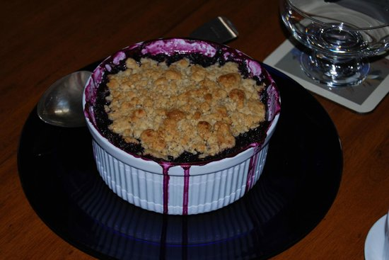 Kate Stanton Inn: Berry Crisp