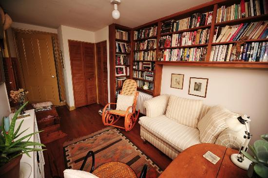 Celia's Place: Private Sitting Room for Guests' Exclusive Use