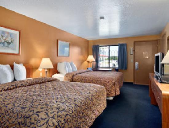 Howard Johnson Boise Airport: Our Queen Queen Room
