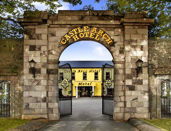 Castle Arch Hotel: Hotel Entrance