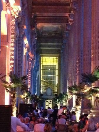 Unique Paris Private Tours: Le Mini Palais terrace