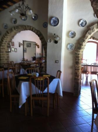 Fattoria Grattazzo : la sala ristorante