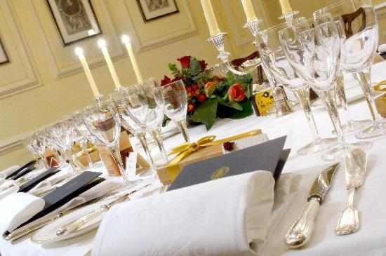 Middlethorpe Hall Restaurant: Private dining in the Yellow Room
