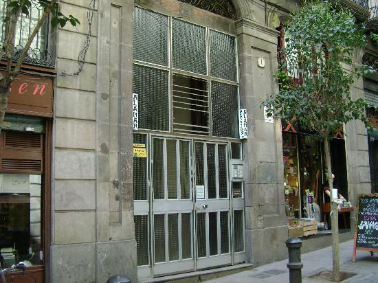 Pensión Alamar: pension from the outside