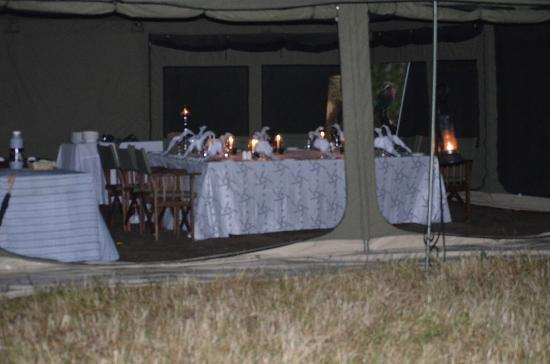 Kampi Kampi Serengeti : dining tent
