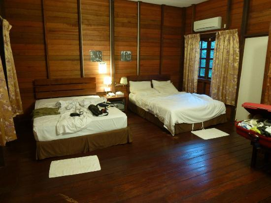 Bilit Rainforest Lodge: camera spaziosa