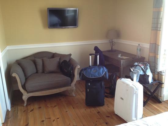 Hotel  Saint-Julien: room17