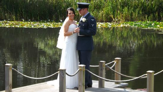 Moddershall Oaks: wedding photo by the lake