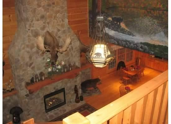 House Mountain Inn: Main Lobby
