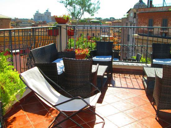 Boutique Hotel Campo de Fiori: part of the roof terrace