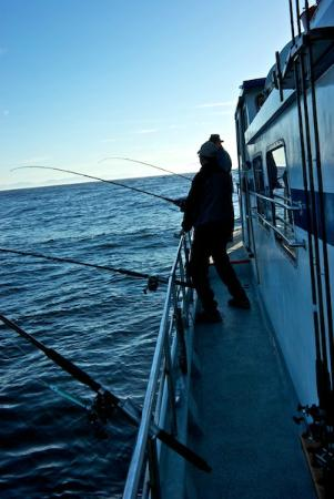 Canadian Princess Lodge: Anglers fishing from Long Beach Princess party boat