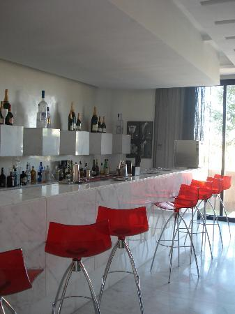 Cesar Resort & Spa: Champagne bar (near reception/lounge)