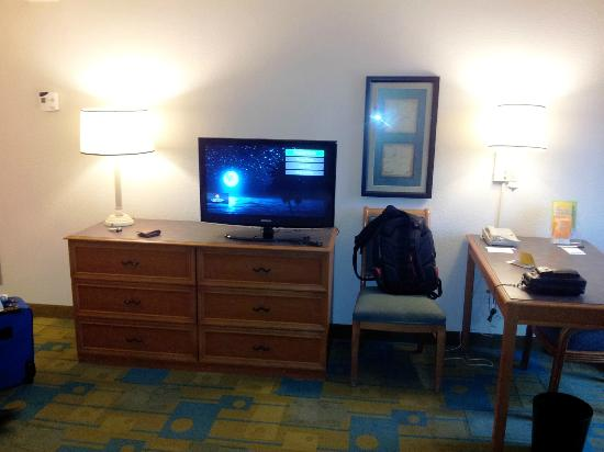 La Quinta Inn & Suites Ft. Lauderdale Plantation: TV