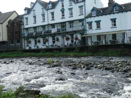 YHA Keswick: view of the Hostel from across the river