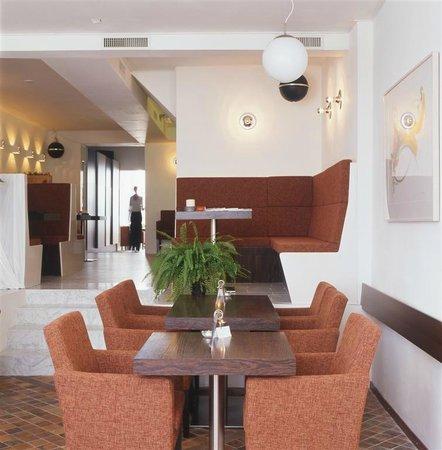 Artisan: Interior restaurant