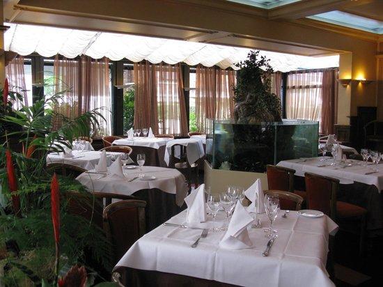Restaurant picture of le pressoir restaurant antony for Le pressoir restaurant
