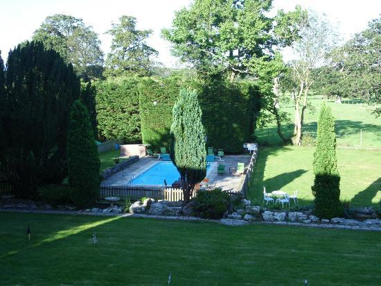 Outdoor heated pool picture of new park manor - Hotels in brockenhurst with swimming pools ...