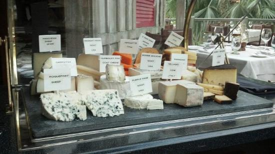 Old Hickory Steakhouse : Artisanal Cheeses from around the world