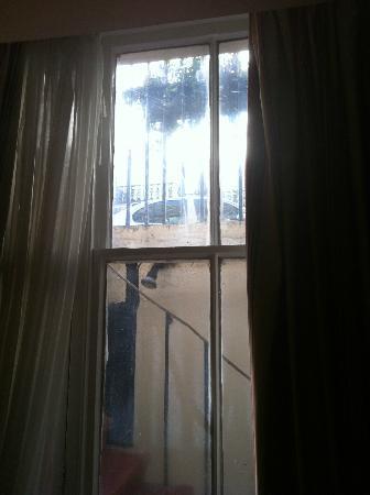 The Byron Hotel: camera tripla: la prima ce l'hanno data nel seminterrato