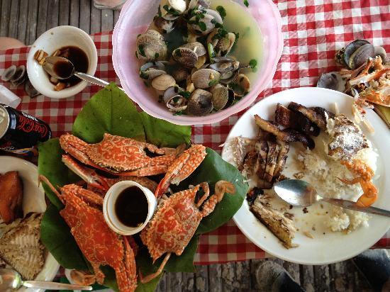 The Legend Palawan: Lunch at Pandan Island (Honda Bay Tour)
